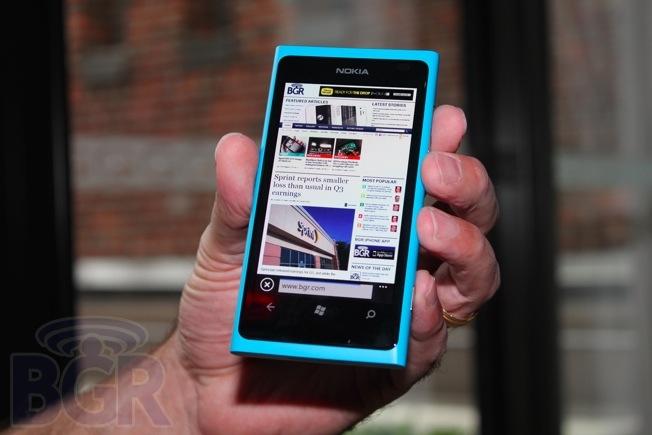 http//www-bgr-com.vimg.net/wp-content/uploads/2011/10/BGR-nokia-lumia-800-top.jpg