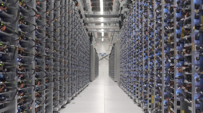 google server  GOOGLE OFFERS A GLIMPSE INSIDE ITS DATA CENTRES   GOOGLE OFFERS A GLIMPSE INSIDE ITS DATA CENTRES  google data center street view 645x360